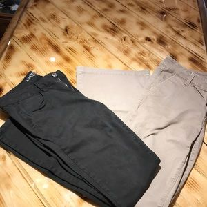 Lot of 2 pair of Women's American Eagle pants